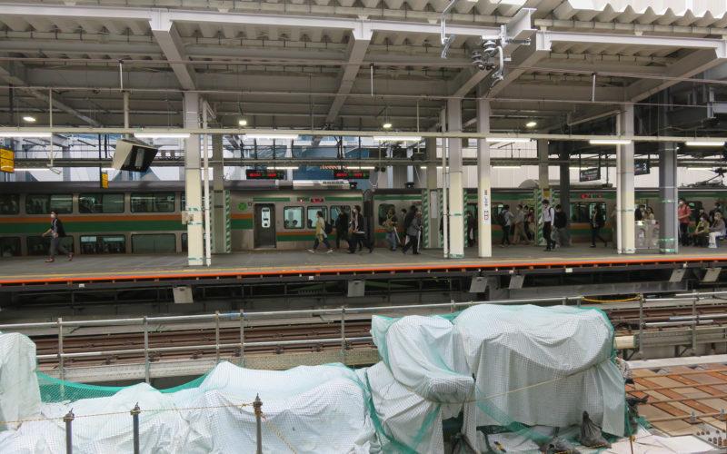 山手線ホームから埼京線ホーム